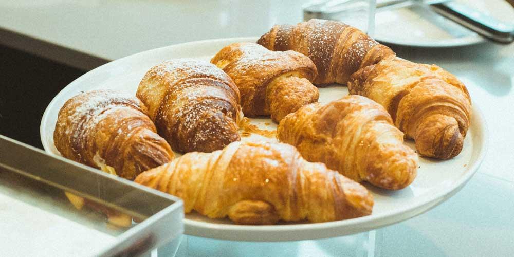 Nicht auf leeren Magen essen: Croissants